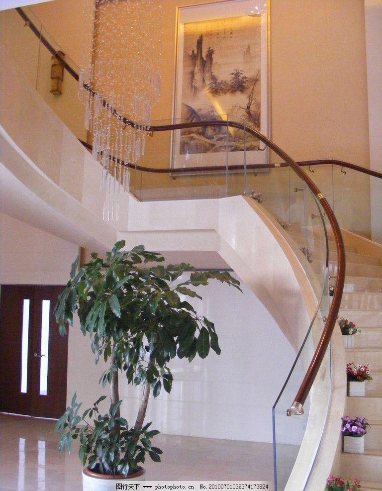 设计图库 环境设计 室内设计  大堂中的楼梯 楼梯 大堂 旋转式 大理石