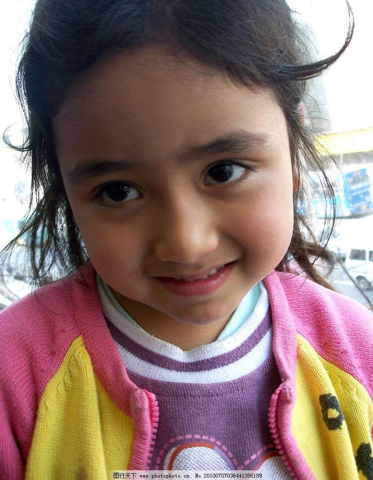 混血女孩 混血 女孩 可爱 巴基斯坦 大眼睛 浓密 眉毛 儿童幼儿 人物