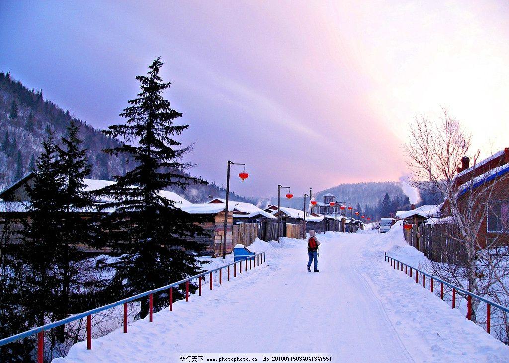 雪景 雪 下雪 积雪 炊烟 山 冬天 冬天的雪景 雪屋 雪露 灯笼 国外