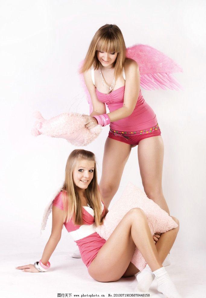 性感美女双胞胎姐妹