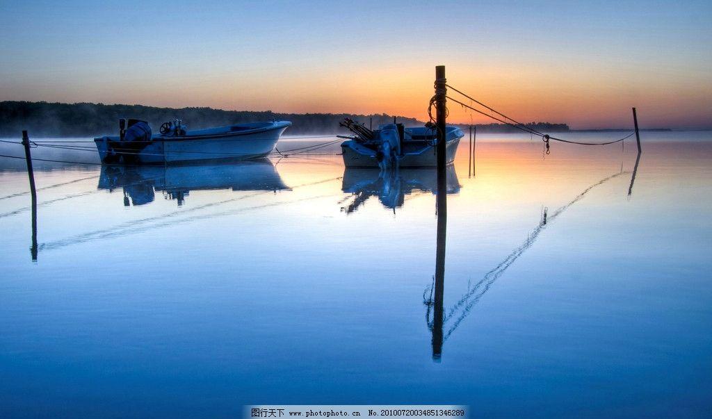 壁纸 风景/湖边的小船图片