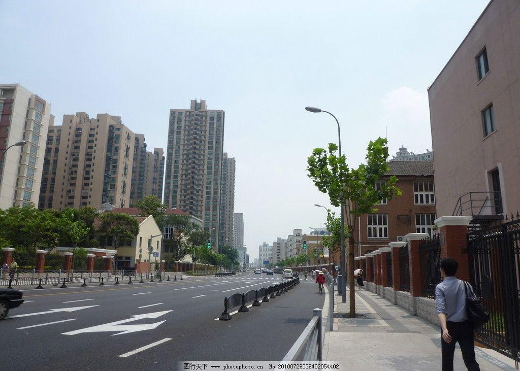 手绘街道线描景观环境素描城市建筑速写马路房子挂画图片