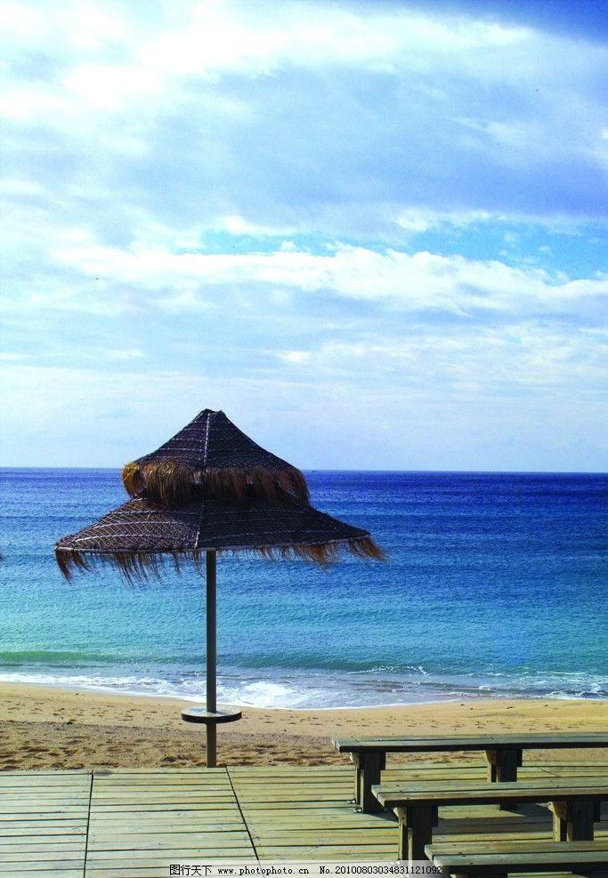 大海 椅子 天空 海边 凳子 海滩 海水 自然风景 自然景观 摄影 350dpi图片