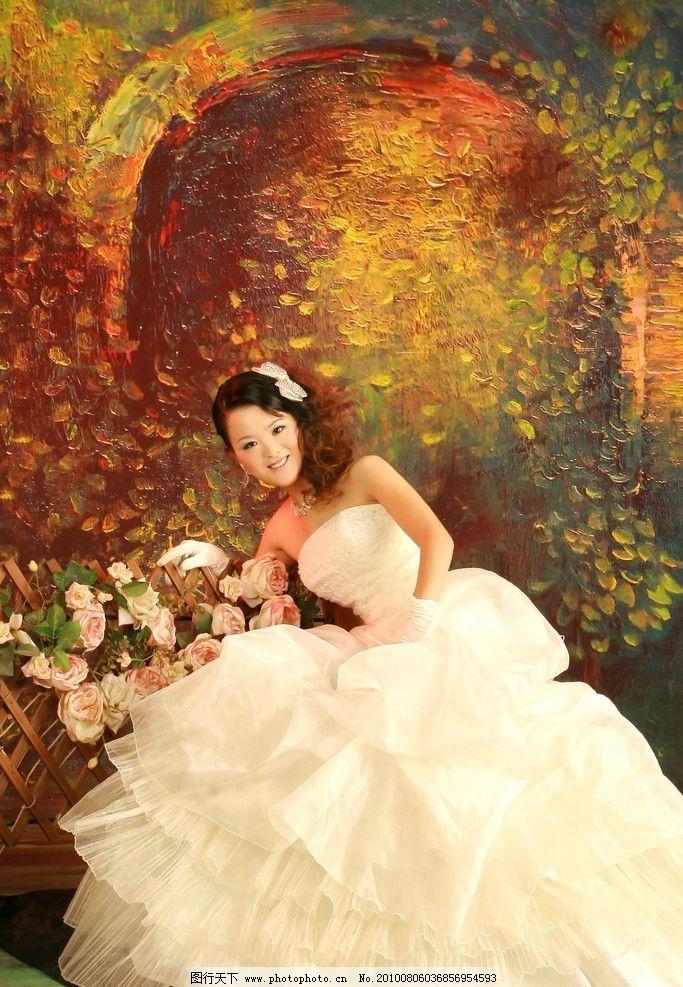 婚纱照 长发美女 背景 鲜花 发饰 摄影图库 女性女人图片