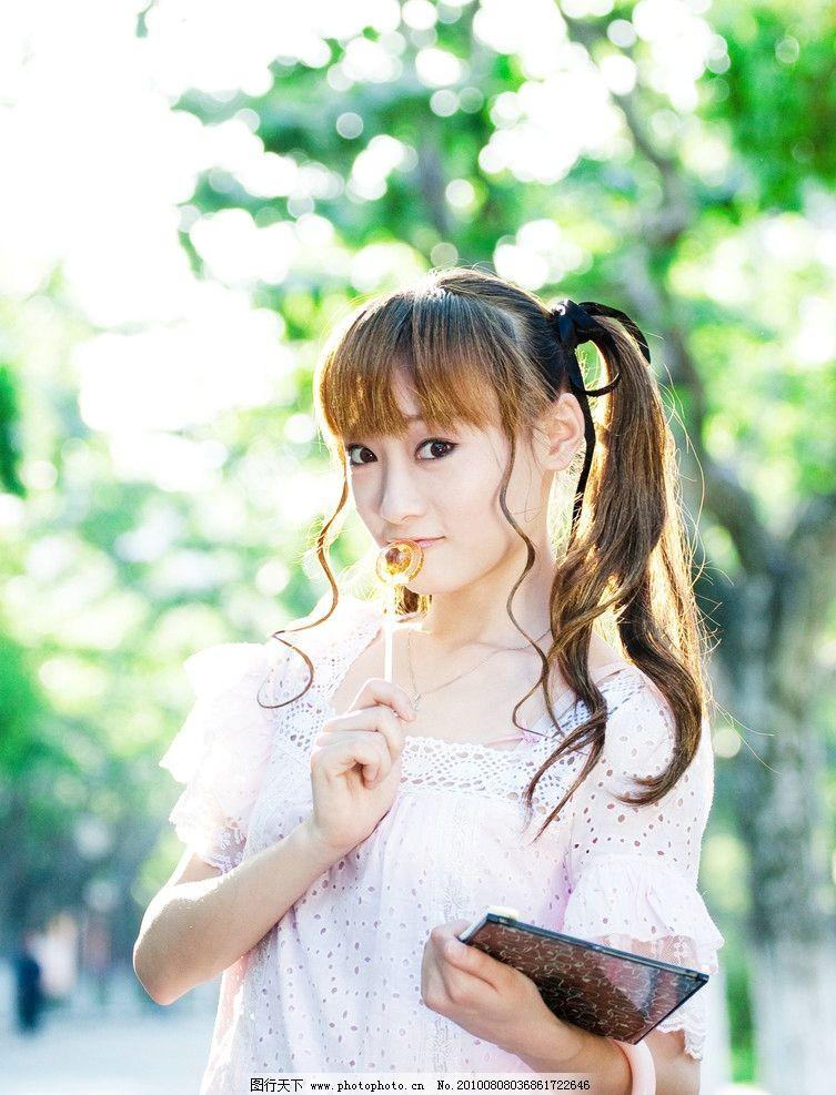 棒棒糖女生 棒棒糖 女生 可爱 年轻 卷发 美丽 漂亮 美女 黄发 时尚