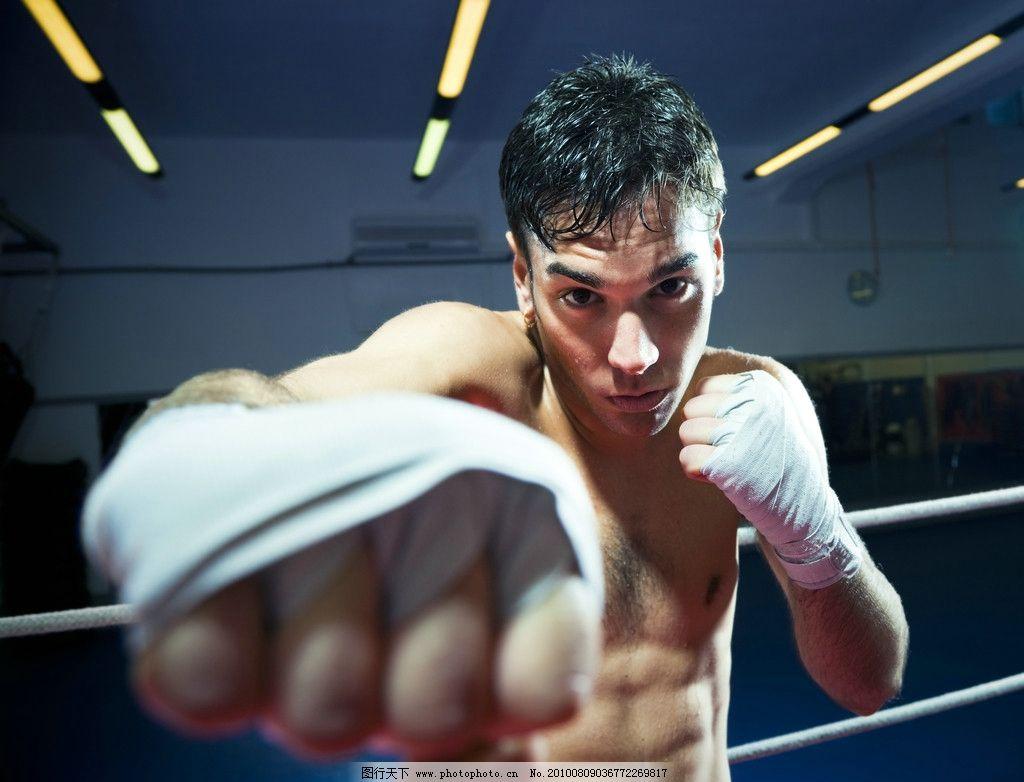 拳击 运动 男人 体育 绷带 打击 腹肌 体育运动 拳击比赛 擂台 人物图图片