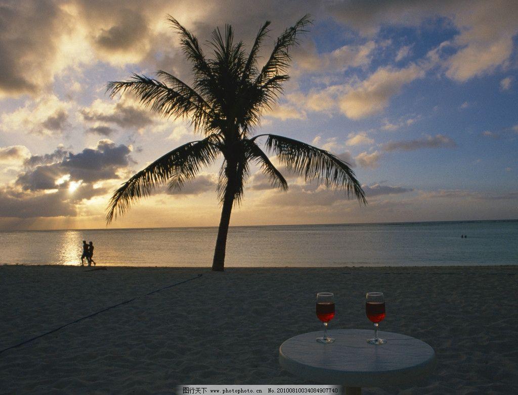夕阳西下 夕阳 大海 海滨 天空 赤霞 椰子树 国外旅游 旅游摄影 摄影