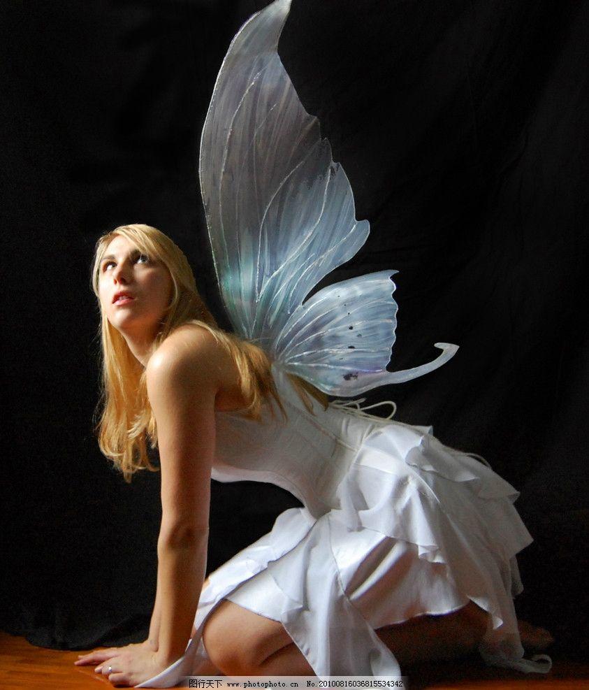蝴蝶翅膀美女图片
