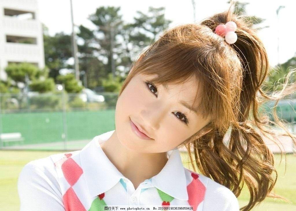 小仓优子 日本女星 写真模特 甜美少女 可爱 马尾辫 格纹 明星偶像