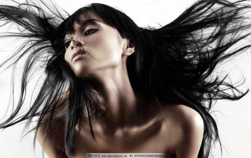 长发飘逸的亚洲模特人物 秀发 黑发 发型 头发 美发 洗发水 广告图片图片