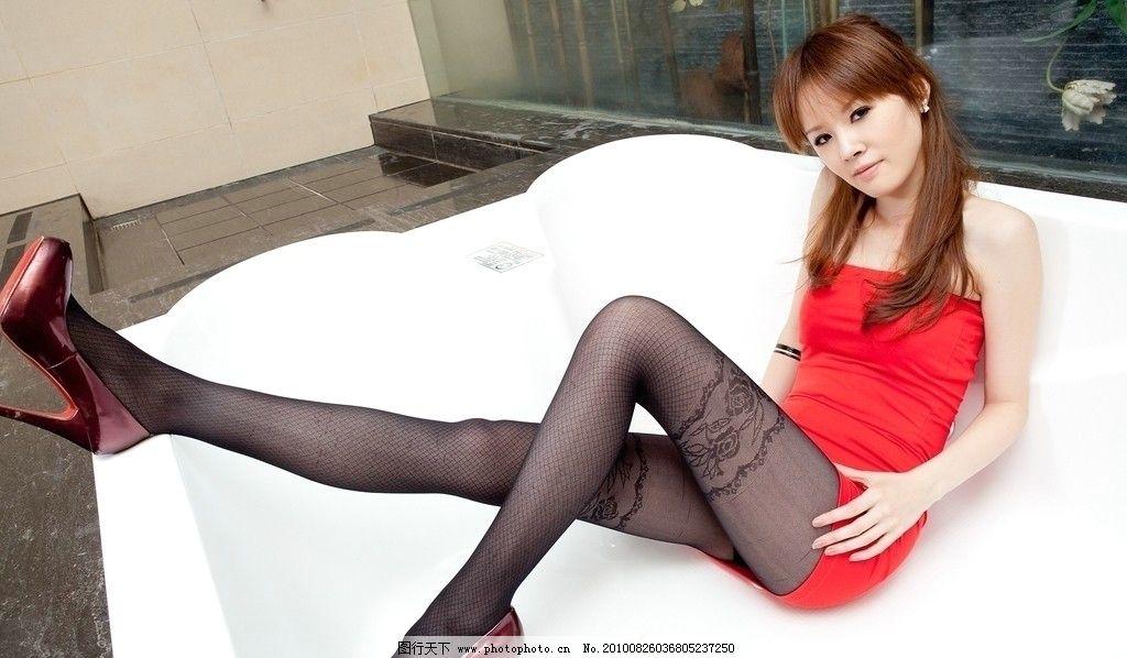 长腿美女 美女 东方 女性 黑发 长发 红衣 高跟 长腿 美腿 丝袜 室内 修长 气质 曲线 女性女人 人物图库 摄影 300DPI JPG