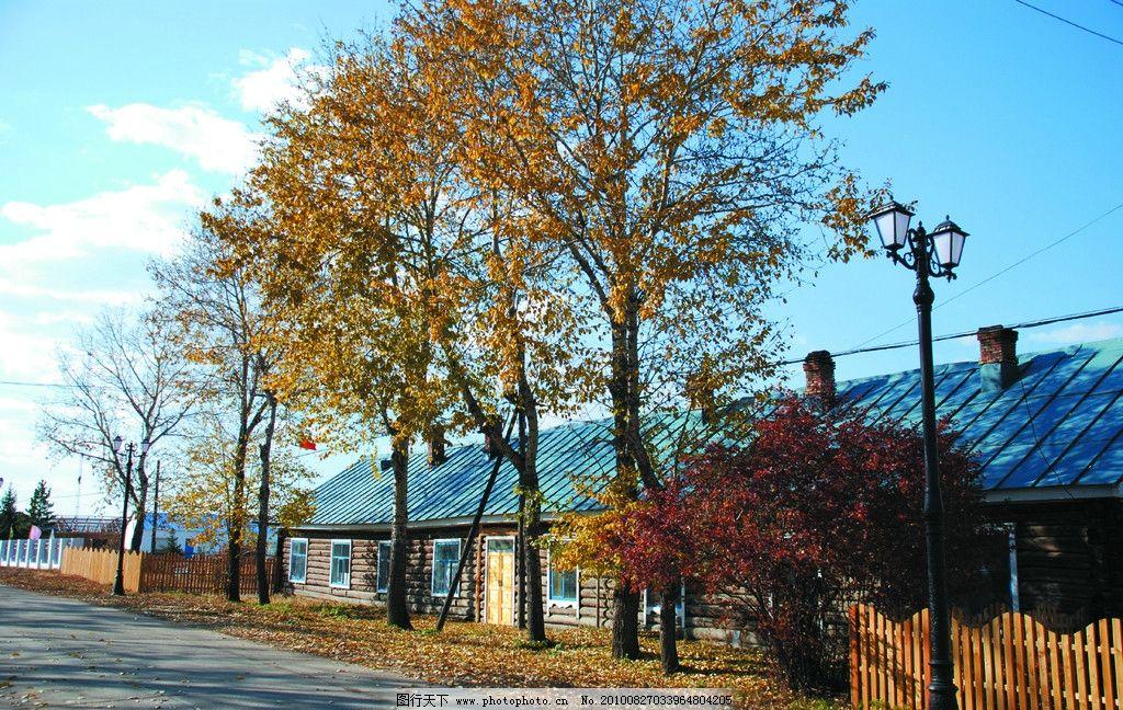 小镇街景 街道 木屋 建筑 树木 路灯 国内旅游 摄影