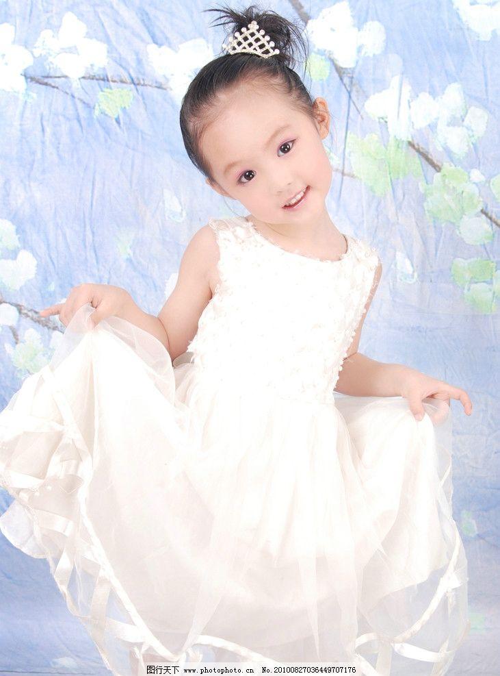 5岁宝宝照女孩 活泼 可爱的女孩 5岁宝宝照 儿童幼儿 人物图库 摄影