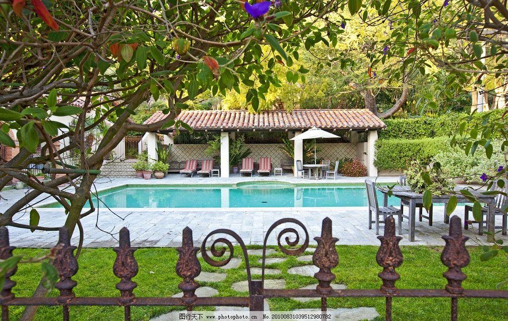 别墅 庄园里 游泳池 铁栏杆 围栏 豪华农场庄园别墅风景全览 园林建筑