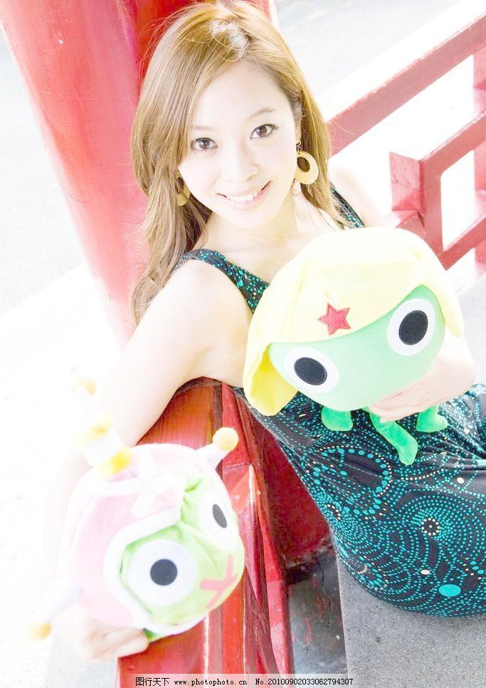 清纯 大眼女生图片素材下载 大眼女生 大眼 女生 玩具 可爱 清纯 微笑