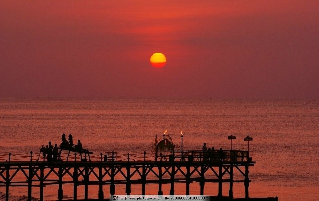 巴厘岛景观 东南亚 印尼 巴厘岛 彩色云天 太阳 夕阳 风景 大海 船