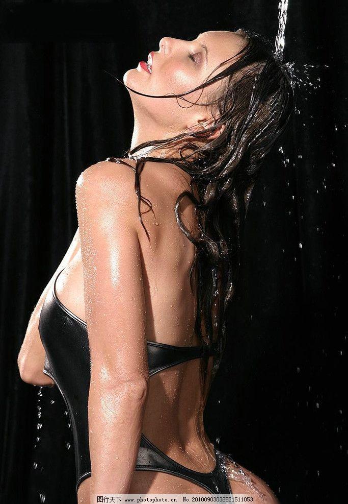 现代科技 服装设计  泳装美女 模特 女人 性感 恬静 妩媚 慵懒 曼妙身