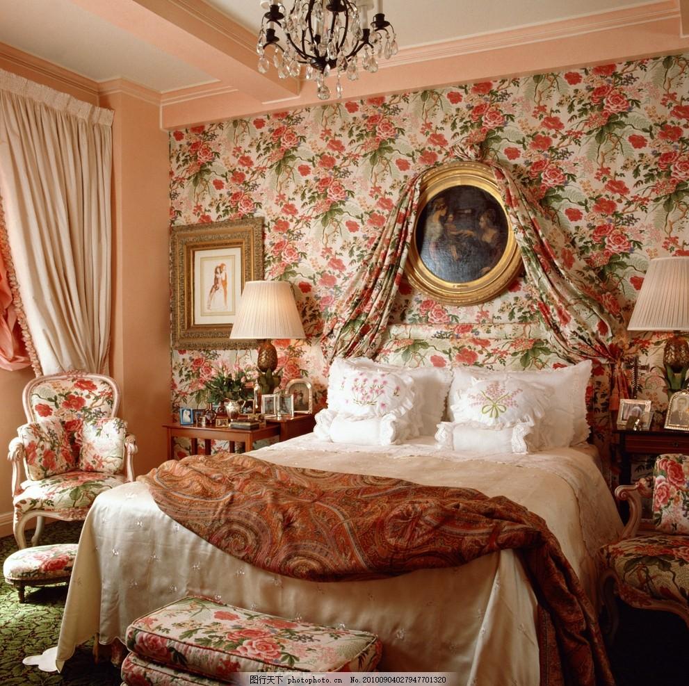 卧室,天花板 吊灯 床铺 欧式 枕头 窗帘 装饰画-图行
