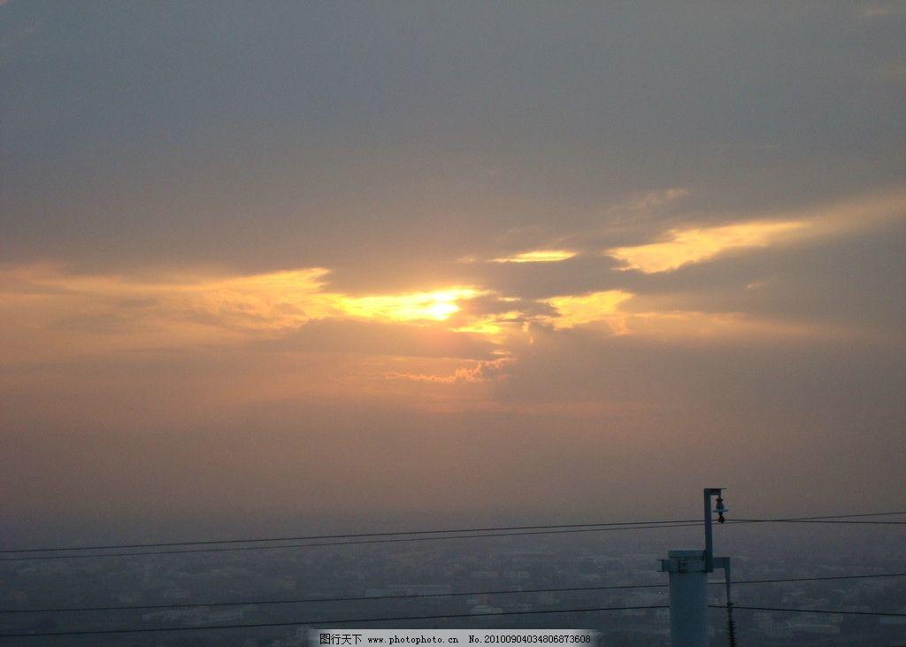 晚霞图片,黄昏 天空 房子 楼云 电线杆 自然风景-图行