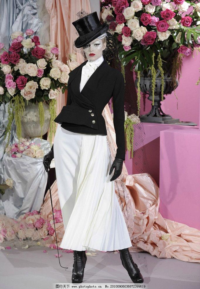 欧式宫廷女士套装 欧式 欧式风格 欧美模特 美女模特 服装模特 欧美美女 宫廷 女士 套装 美女 服装 宫廷服装 宫廷套装 高贵 典雅 宫廷贵妇 贵妇 性感 魅力 时尚 金发 连衣裙 高跟鞋 发型 气质 女性女人 人物图库 摄影 350DPI JPG