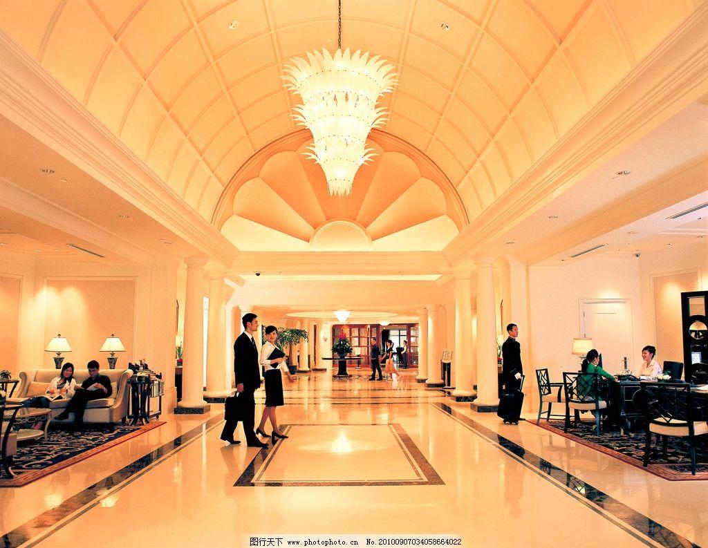 宾馆休息区 穹顶 欧式柱子 水晶吊灯 大理石装饰 铁艺 欧式沙发 台灯