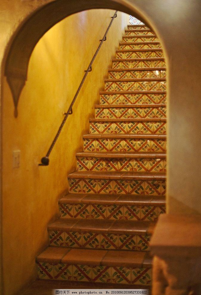 楼梯 庄园 豪华别墅/豪华别墅庄园里的楼梯图片
