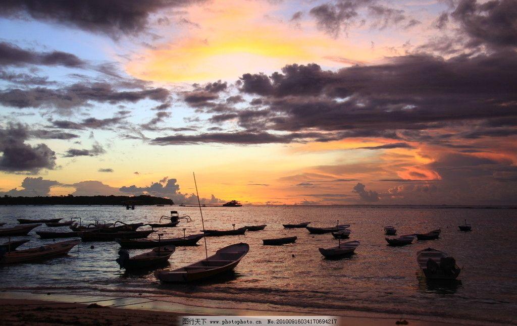 印尼蓝梦岛上的夕阳图片