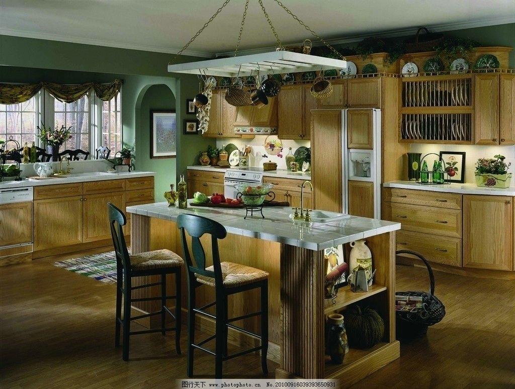 厨房欧式窗户放窗帘