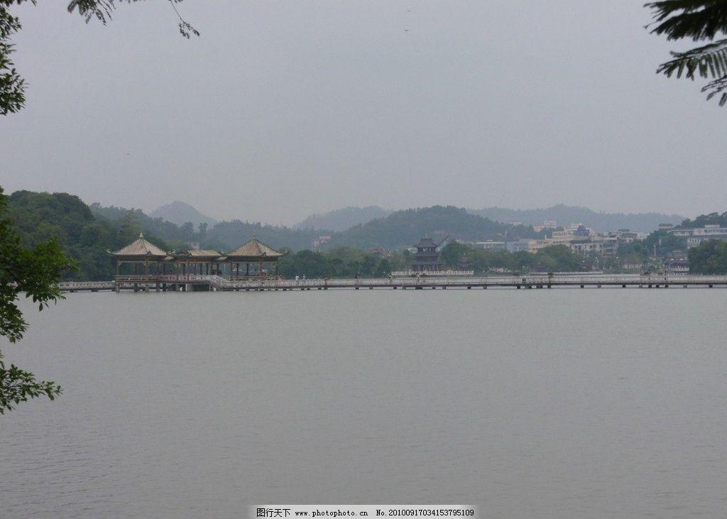 惠州西湖风景 广东省 惠州 西湖 山 楼房 树叶 自然风景 旅游摄影