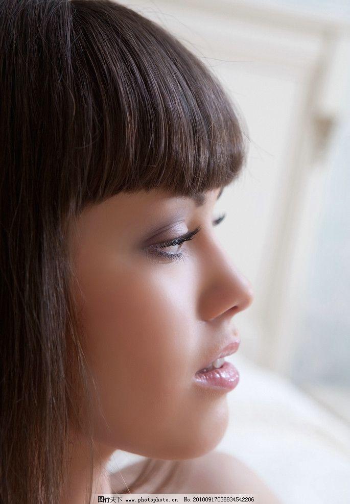 侧面美女高清大图 侧面 美女 高清 大图 欧美 长发 摄影 美丽 大方 可爱 妩媚 性感 靓女 模特 美容 美发 气质 优雅 素材 图库 女性女人 人物图库 72DPI JPG