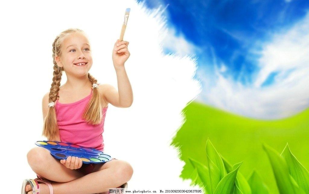 绘画的小女孩 儿童 孩子 绘画 画画 颜料 绿色 蓝色 背景 底纹 儿童