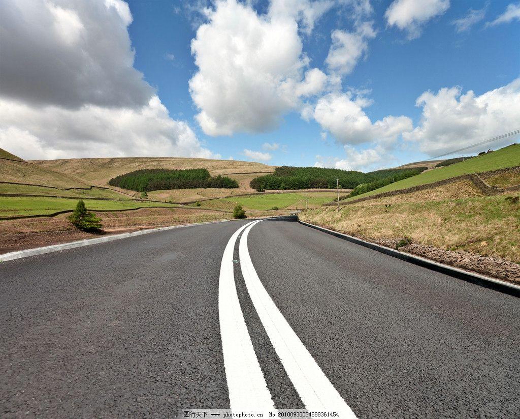 天空下的高速公图片_自然风景_自然景观_图行天下图库